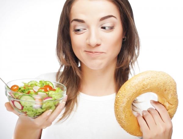 Dieta przy niedoczynności tarczycy. Co jeść, a czego unikać?