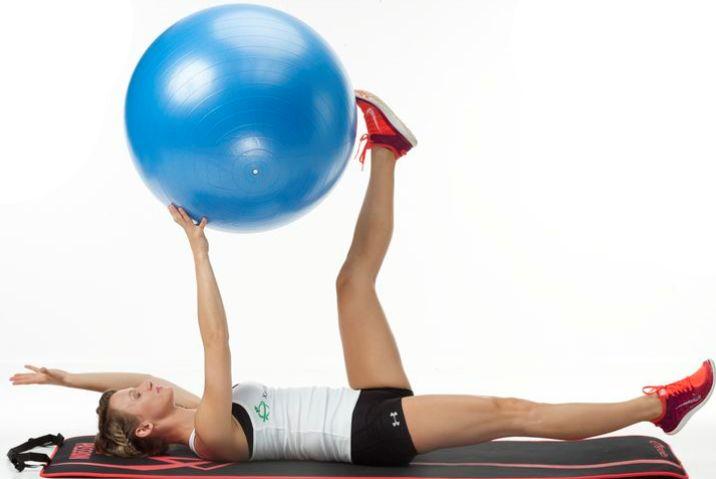 9 skutecznych ćwiczeń na płaski brzuch, do wykonania w domu