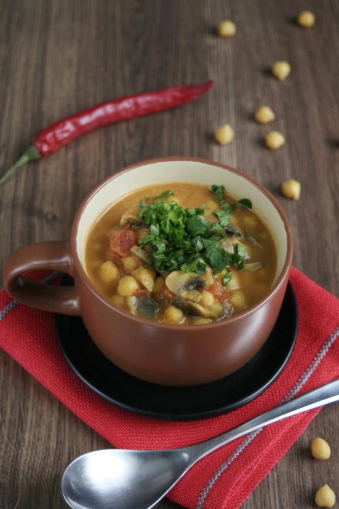 Warzywne curry z cieciorką