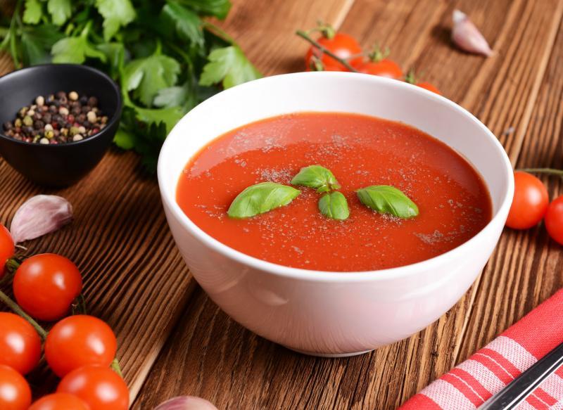 Dietetyczna zupa pomidorowa na rosole