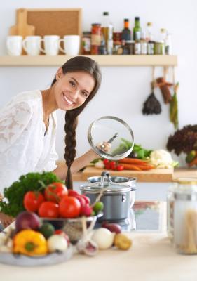 Jak gotować, żeby schudnąć? 10 sprawdzonych trików
