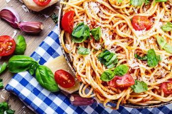 5 pożywnych przepisów na dania z makaronem