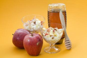 Deser jabłkowy z orzechami i miodem (bez cukru)