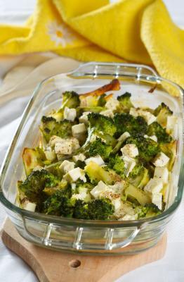 Brokułowo - cukiniowa zapiekanka pod serową pierzynką