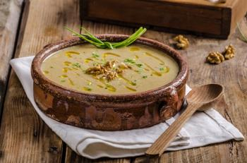 Delikatna zupa krem z pietruszki