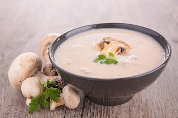 Dietetyczna i ekspresowa zupa pieczarkowa